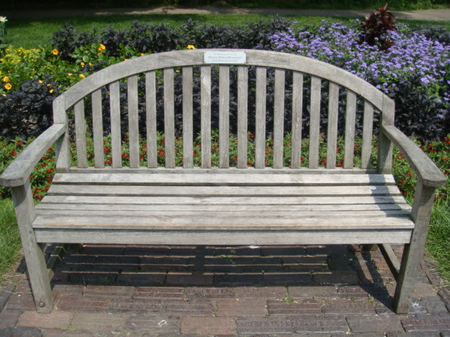 Lincoln Park Conservatory Dedication Bench